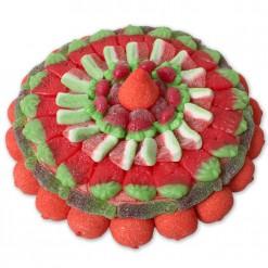 Tarta de chuches de fresa y colas