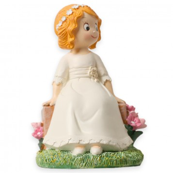 Muñeca tarta comunión sentada