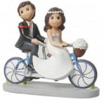 Figura novios en tándem para tarta de boda