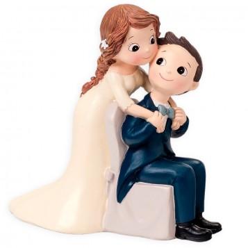 Figura boda novio sentado