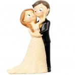 Figura boda novios cariñosos